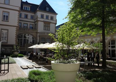 Innenhof der Villa Kennedy in Frankfurt
